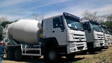 China 12 Wheeler HOWO Concrete Mixer Truck 371HP Engine With 14M3 Tank Size factory