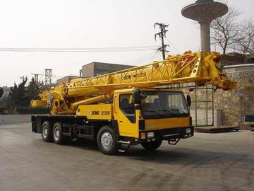 China Professional XCMG Truck Crane / 25 Ton Truck Crane With Cummins Engine factory
