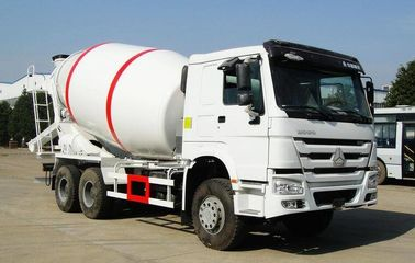 China 371HP Engine Concrete Mixer Vehicle , SINOTRUK HOWO 6x4 Concrete Cement Truck factory