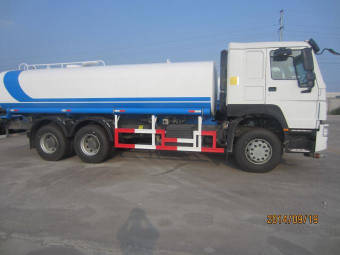 10 Wheeler 6x4 Water Sprinkler Truck 20m3 Tank Size With 371HP Engine