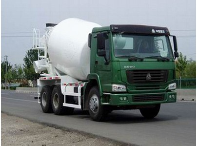 Mobile Concrete Mixer Truck ZZ1257N4047D1 25 Tons 336HP With Pump Euro 2 Emission